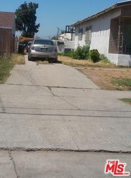 Active | 815 W 97TH Street Los Angeles, CA 90044 1