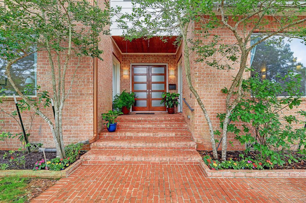 Active | 5139 Darnell Street Houston, TX 77096 0