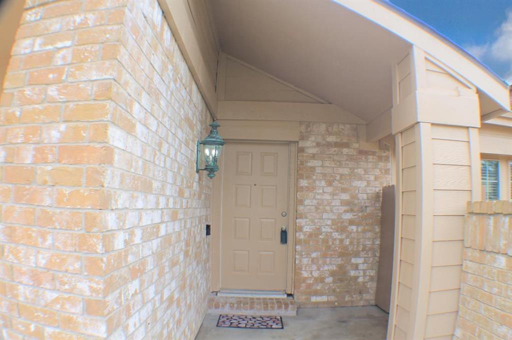 Off Market | 13611 Braeswest Drive Houston, TX 77082 2