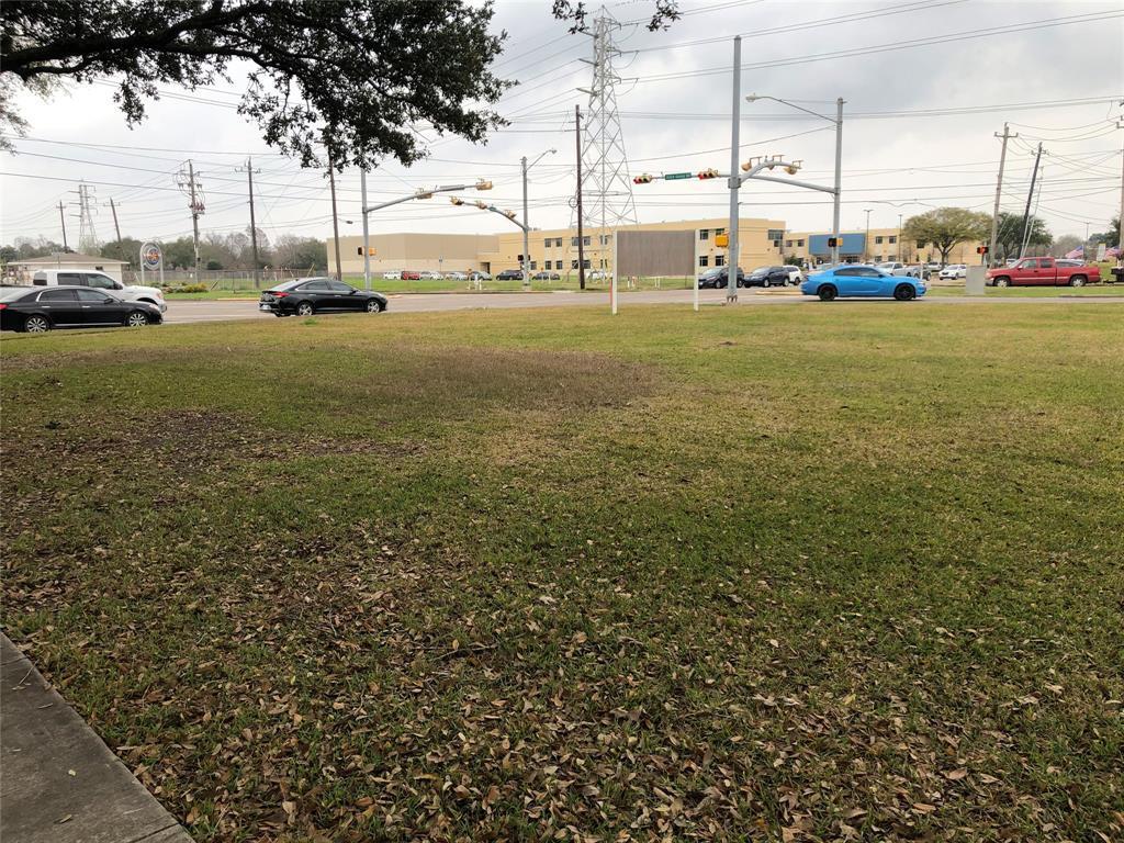 Pending   0 Allen Genoa Road Pasadena, Texas 77502 3