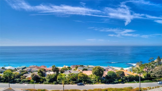 Closed | 30502 Coast  Highway #C2 Laguna Beach, CA 92651 2