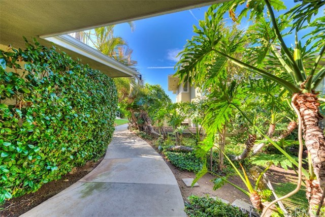 Closed | 30502 Coast  Highway #C2 Laguna Beach, CA 92651 30