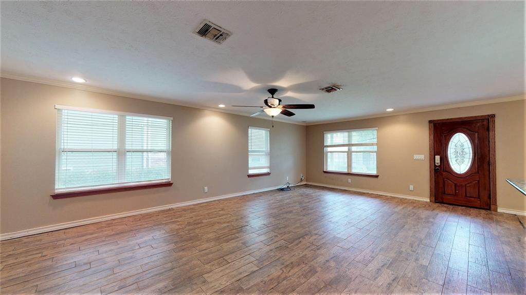 Active | 1235 W 22nd Street Houston, Texas 77008 31