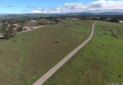 Active | 4 Westhampton Way Arroyo Grande, CA 93420 2