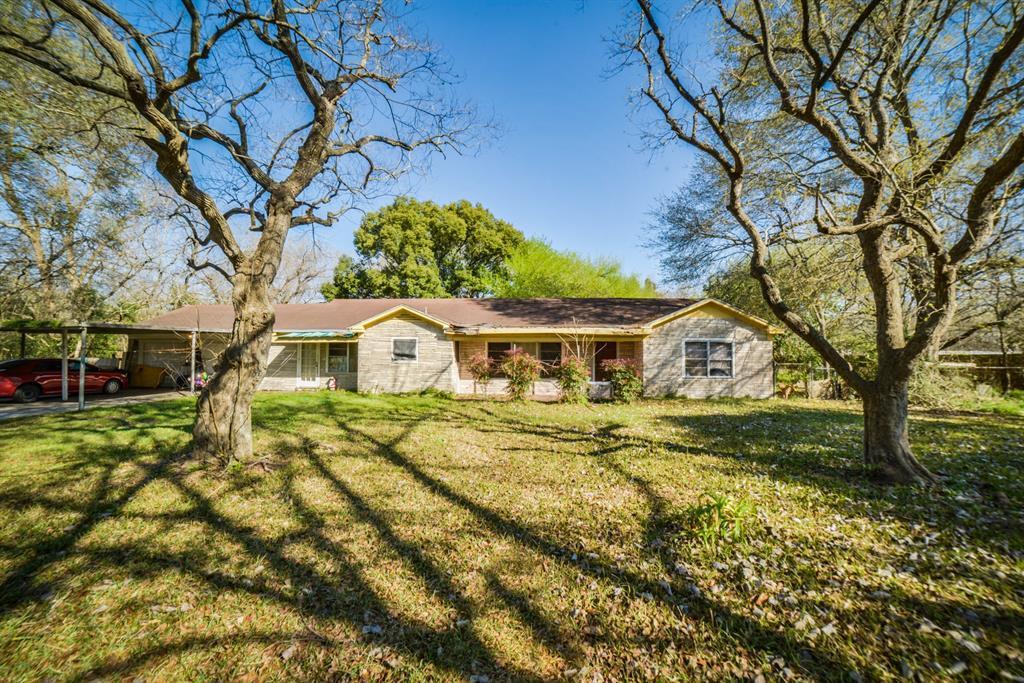 Pending | 7805 Swiftwater Lane Houston, Texas 77075 3