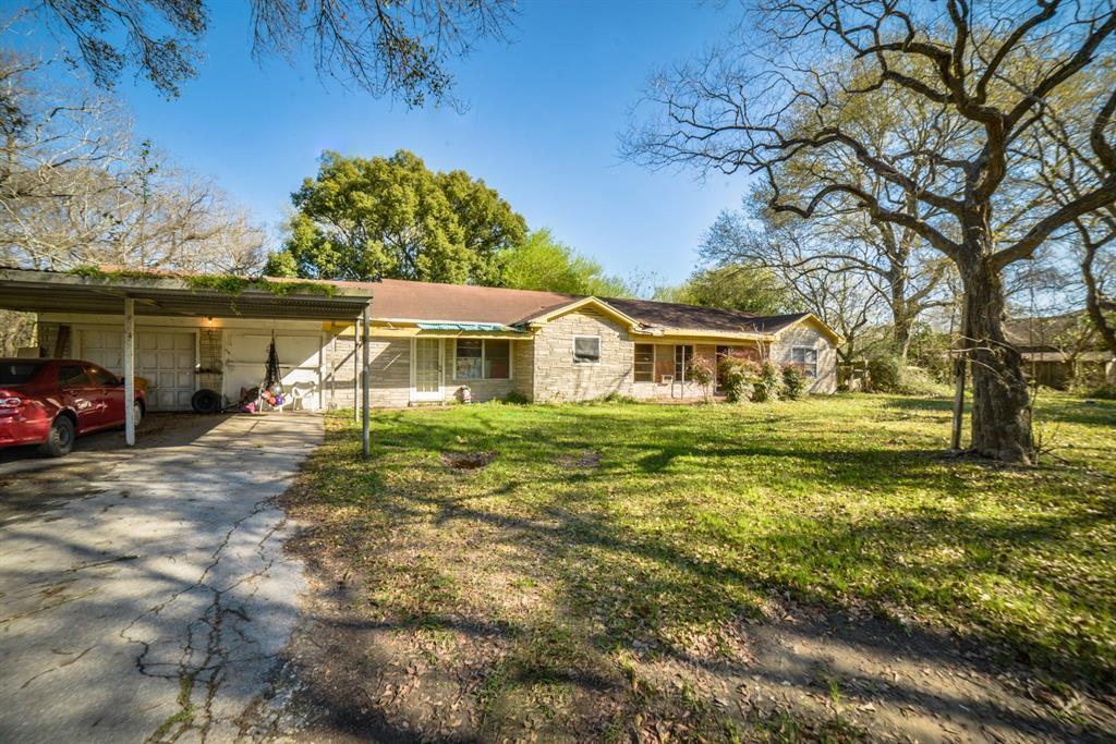 Pending | 7805 Swiftwater Lane Houston, Texas 77075 4