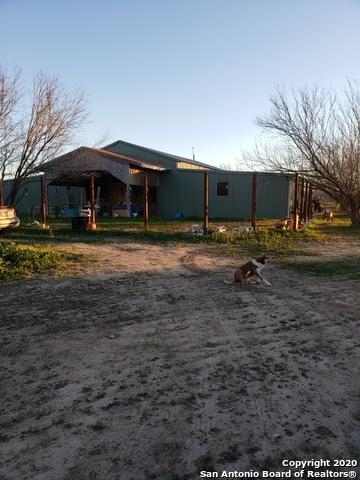 Active | 321 W CR 4017  La Pryor, TX 78872 0