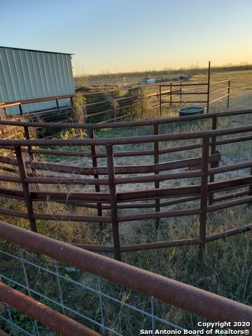 Active | 321 W CR 4017  La Pryor, TX 78872 5