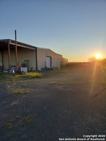Active | 321 W CR 4017  La Pryor, TX 78872 8