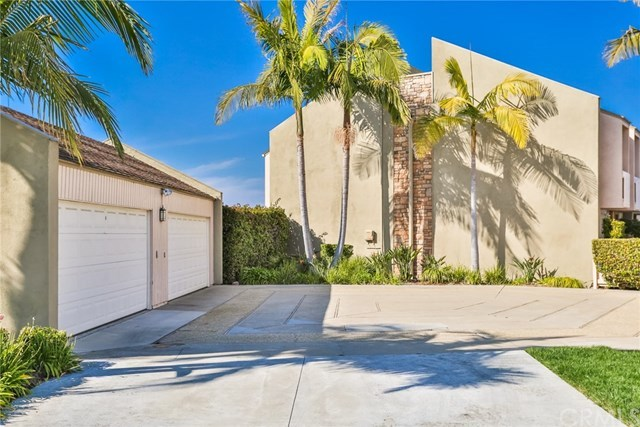 Closed   16561 Harbour  Lane #15 Huntington Beach, CA 92649 35