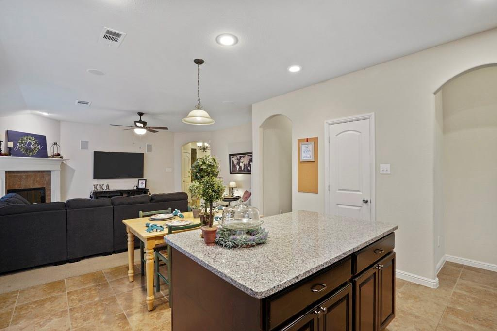 Sold Property | 628 Kelley Court Fort Worth, TX 76120 12