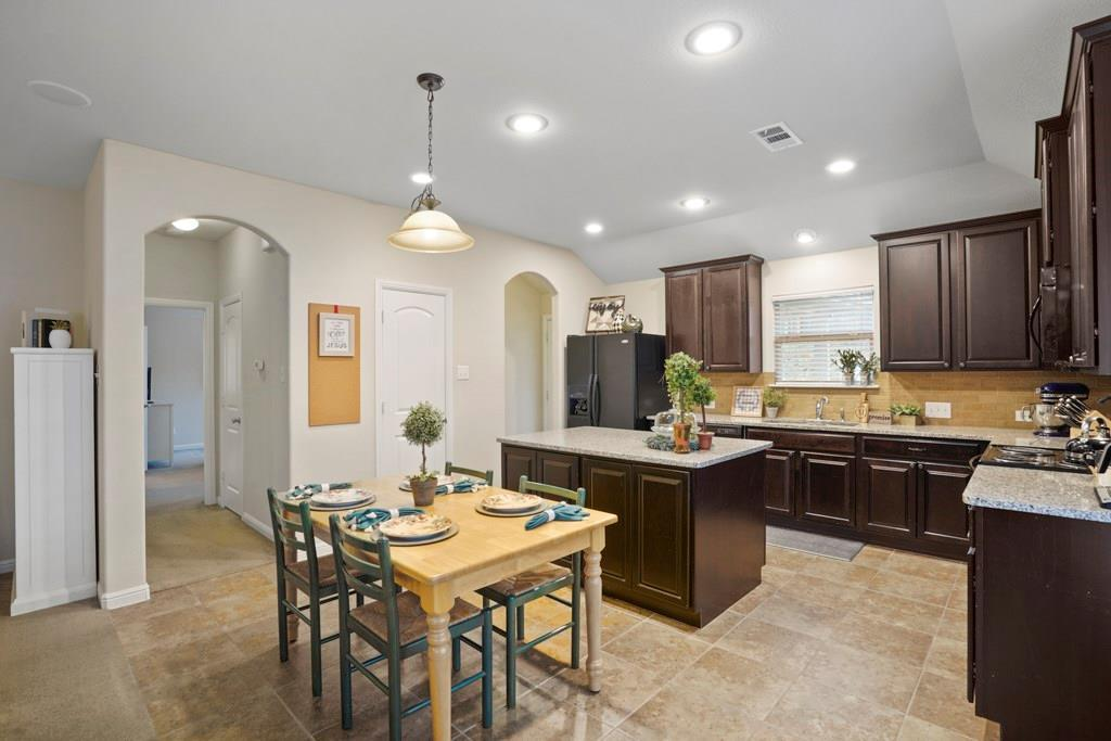 Sold Property | 628 Kelley Court Fort Worth, TX 76120 13