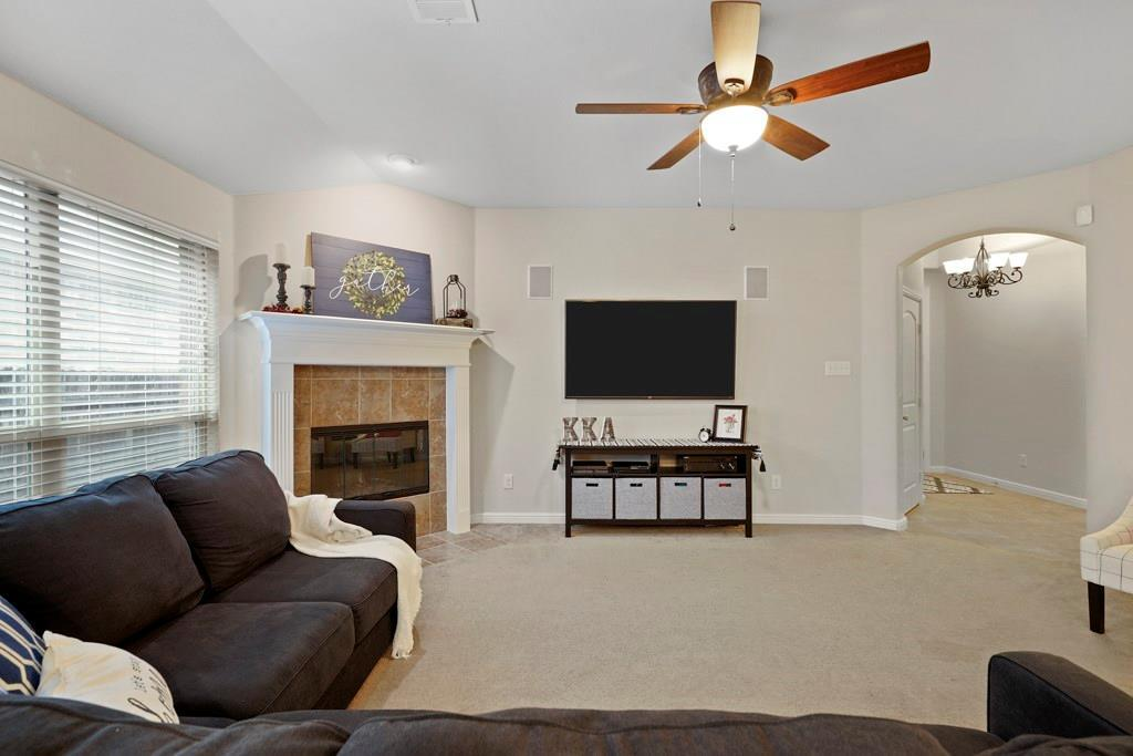 Sold Property | 628 Kelley Court Fort Worth, TX 76120 5