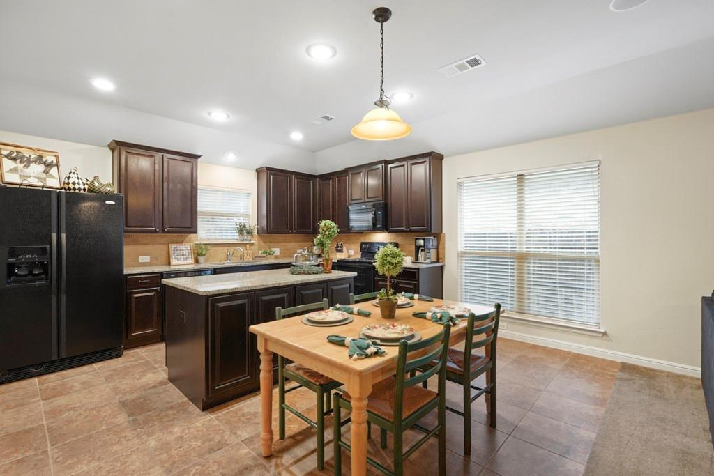 Sold Property | 628 Kelley Court Fort Worth, Texas 76120 7