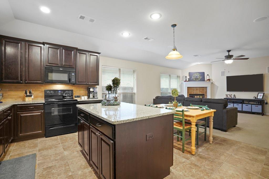 Sold Property | 628 Kelley Court Fort Worth, TX 76120 10