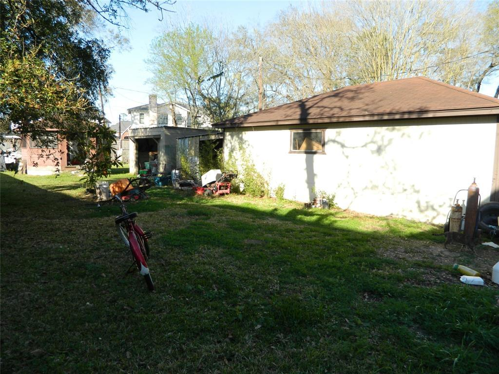 Active   1250 Du Barry Lane Houston, TX 77018 2