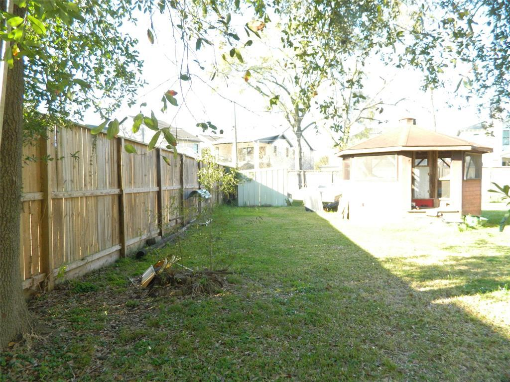 Active   1250 Du Barry Lane Houston, TX 77018 3