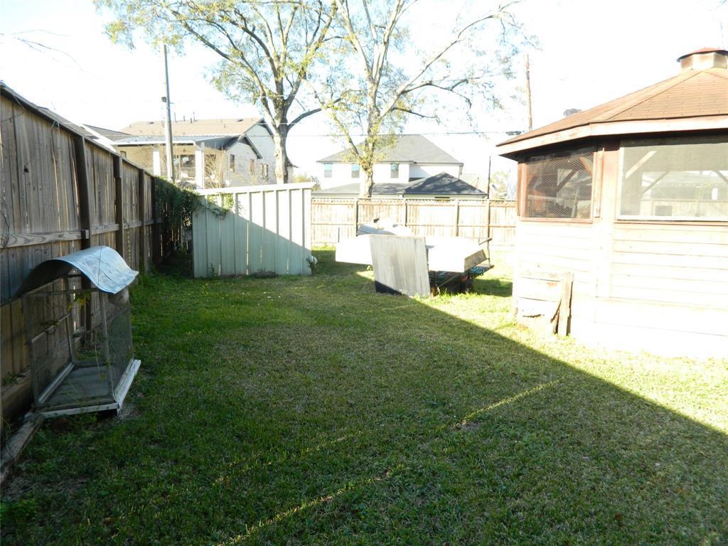Active   1250 Du Barry Lane Houston, TX 77018 4