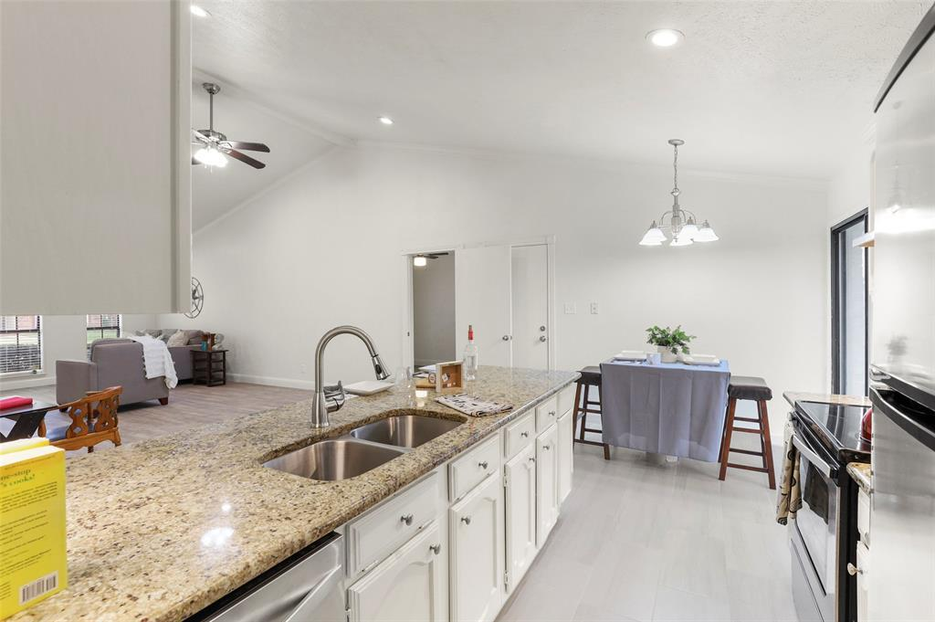 Housed   1315 Timberview Drive Allen, Texas 75002 15