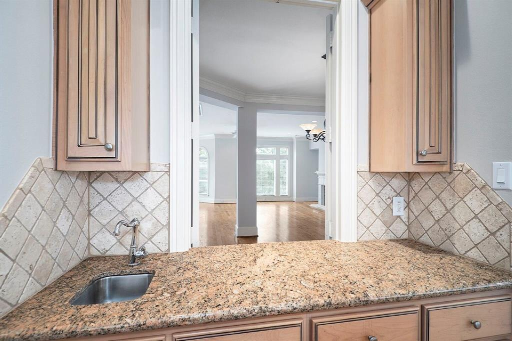 Active | 51 Colonial Row  Drive The Woodlands, TX 77380 6