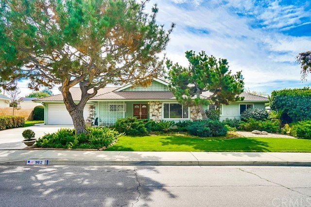 Closed | 962 Kent Drive Claremont, CA 91711 1