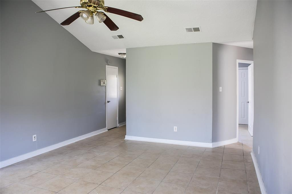 Pending Continue to Show | 8619 Deep Valley Drive Houston, TX 77044 2