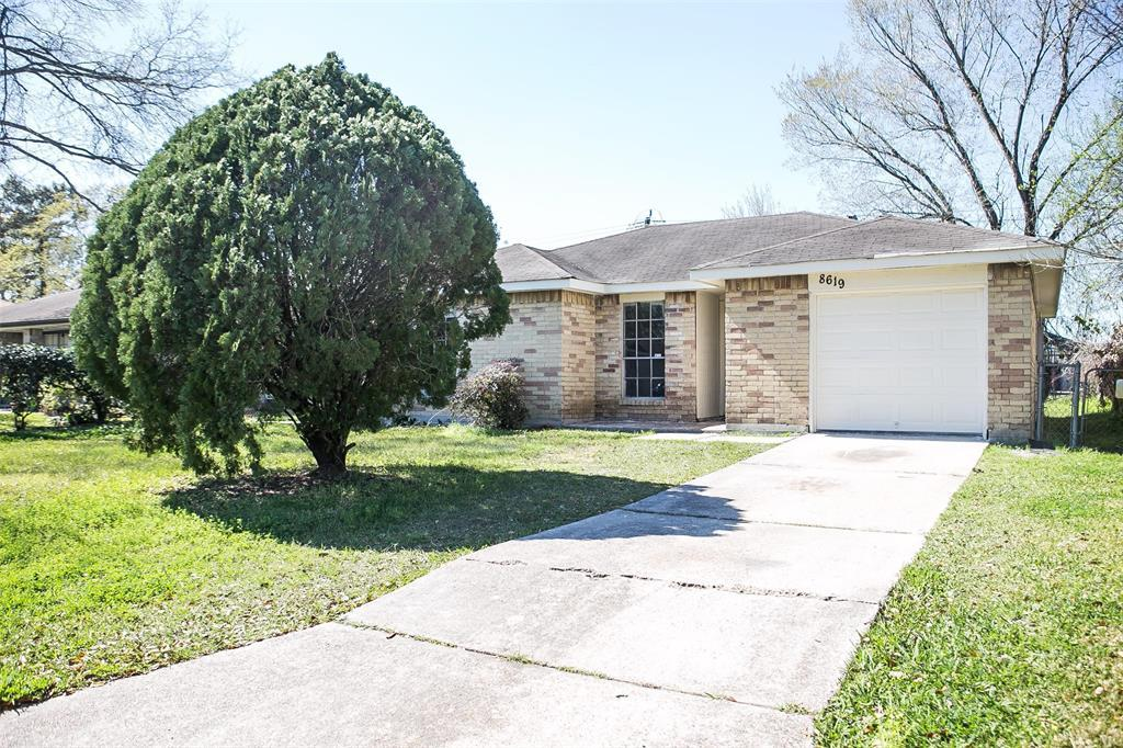 Pending Continue to Show | 8619 Deep Valley Drive Houston, TX 77044 8