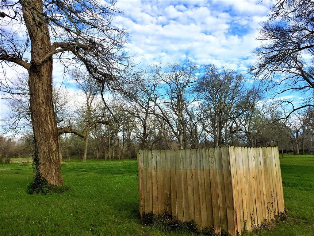 Active   1415 Pony Lane Simonton, TX 77476 11