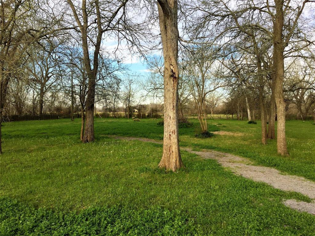 Active   1415 Pony Lane Simonton, TX 77476 5