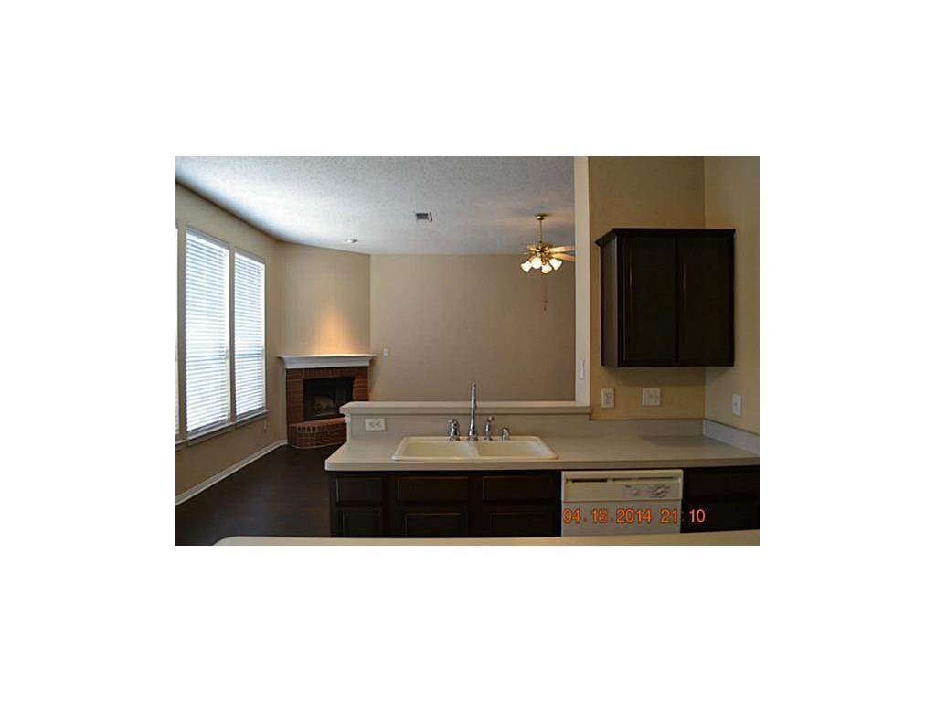Sold Property | 608 Mustang Court Little Elm, Texas 75068 4