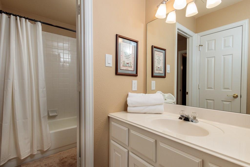 Sold Property   2802 Woodlake Court Highland Village, Texas 75077 27