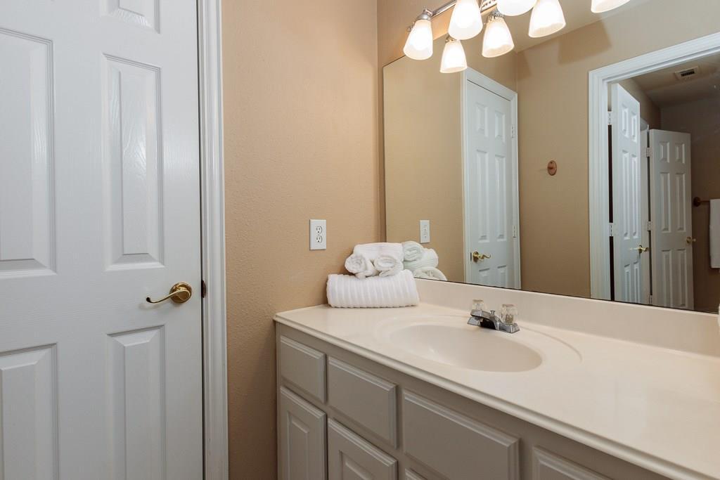Sold Property   2802 Woodlake Court Highland Village, Texas 75077 28