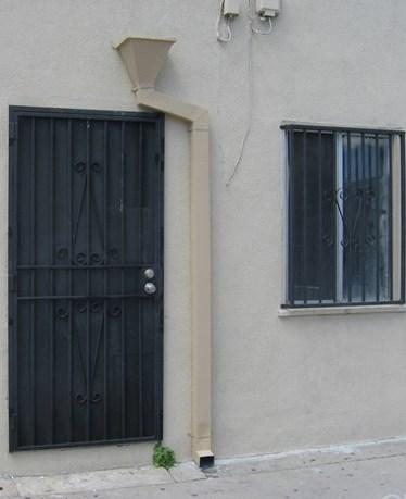 Active | 6126 Holmes Avenue Los Angeles, CA 90001 3