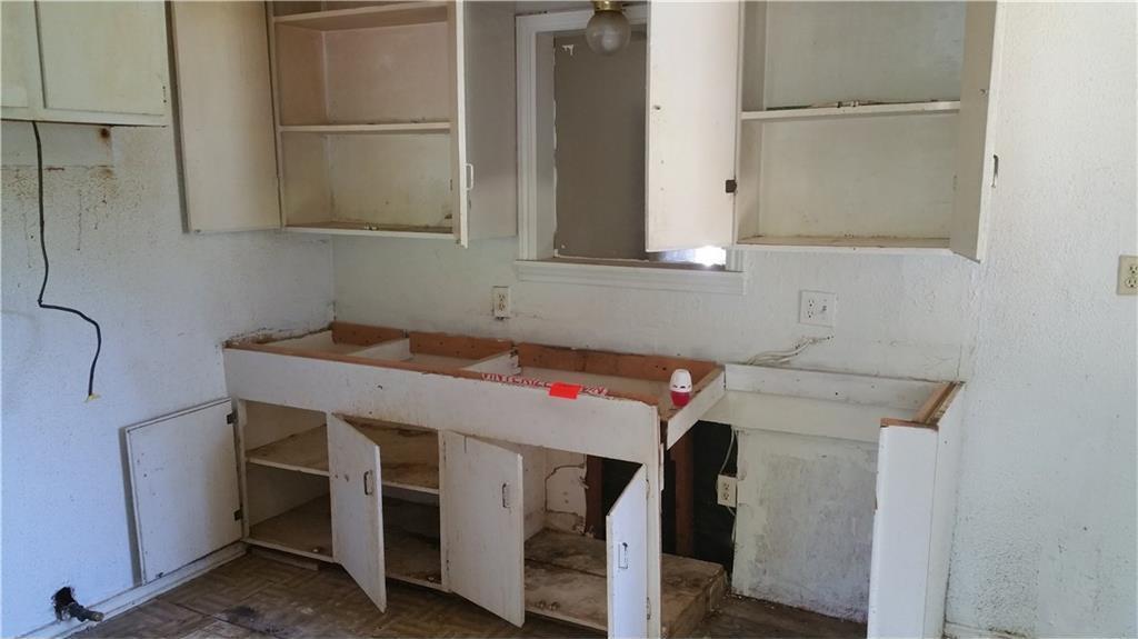 Sold Property | 427 Centennial Boulevard Dallas, Texas 75217 11