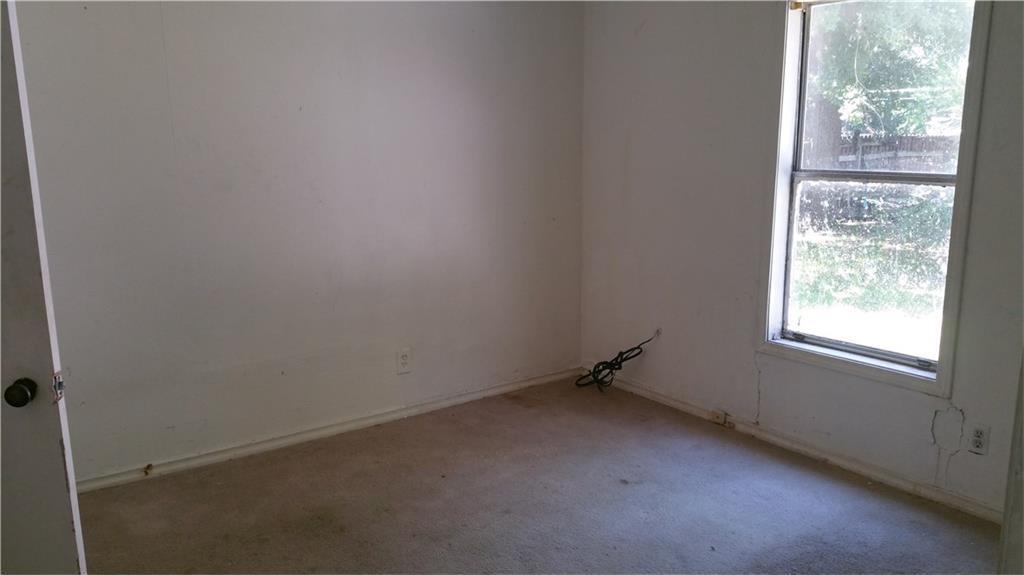 Sold Property | 427 Centennial Boulevard Dallas, Texas 75217 5