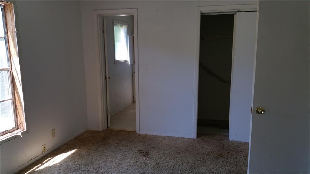 Sold Property | 427 Centennial Boulevard Dallas, Texas 75217 8