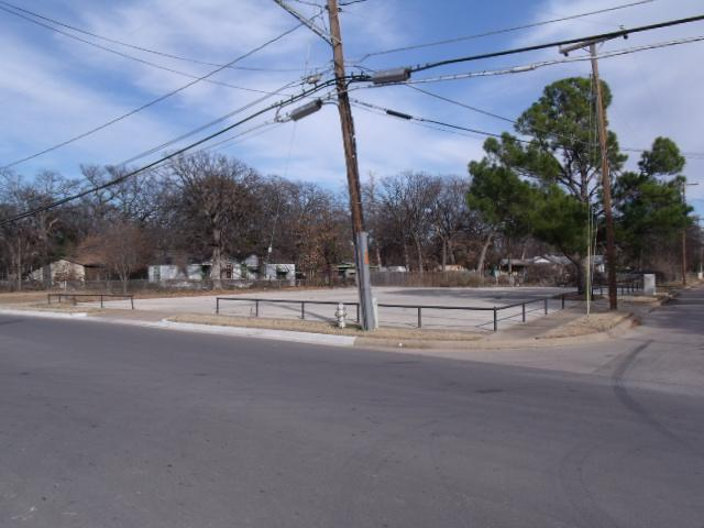 Sold Property | 5401 Trentman Street Fort Worth, Texas 76119 3