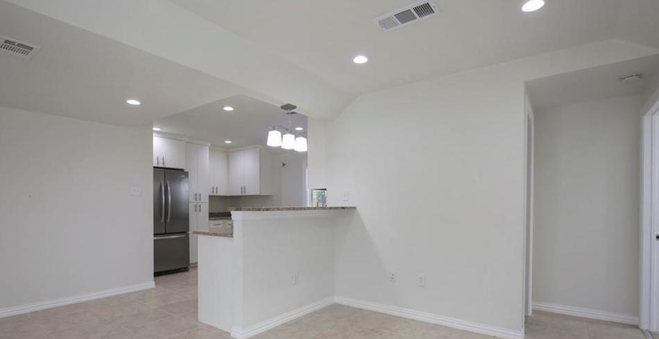 Sold Property | 3663 Race Street Fort Worth, Texas 76111 2