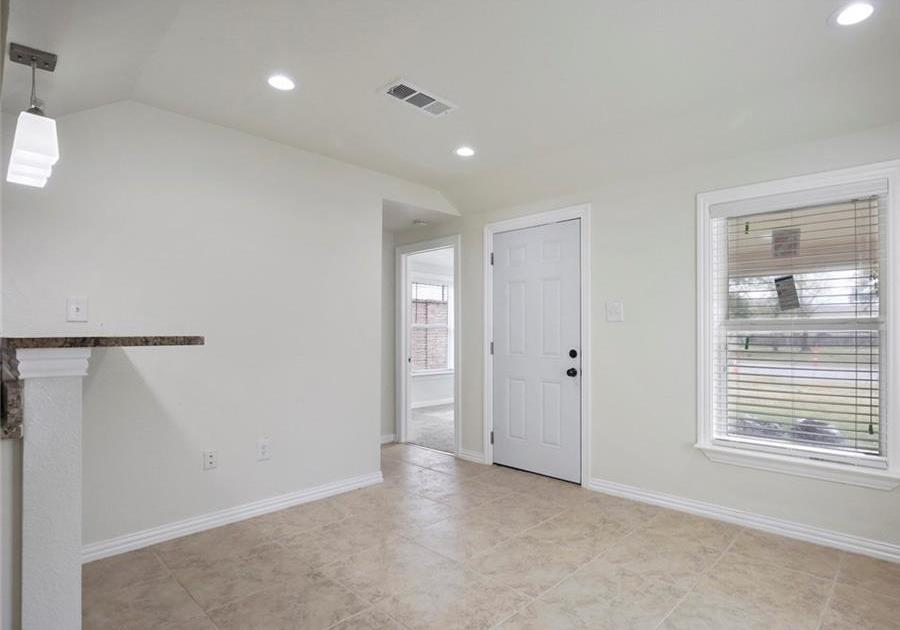 Sold Property | 3663 Race Street Fort Worth, Texas 76111 3