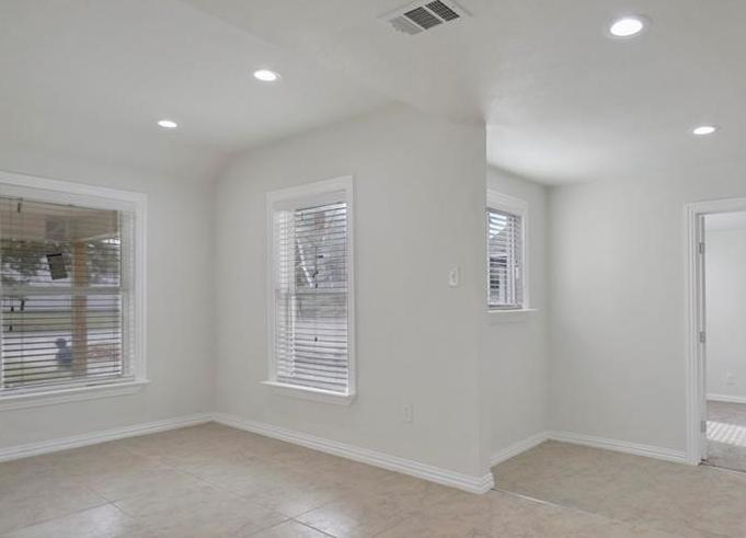 Sold Property | 3663 Race Street Fort Worth, Texas 76111 6