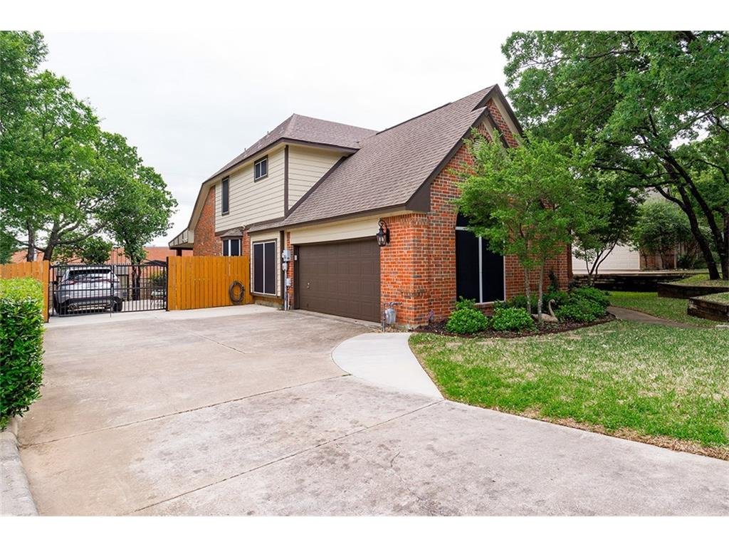 Sold Property | 8550 Shadybrooke Court North Richland Hills, Texas 76182 2