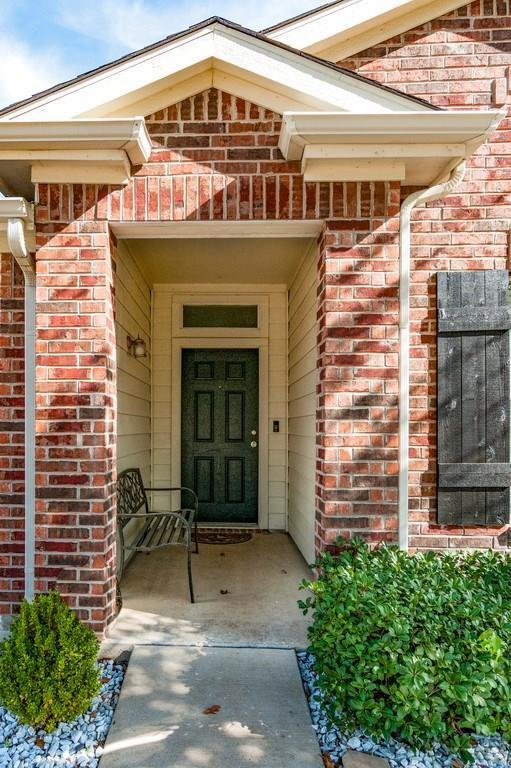 Sold Property | 8532 Minturn Drive Fort Worth, Texas 76131 2