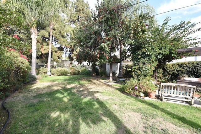 Closed | 2831 Peyton  La Verne, CA 91750 24