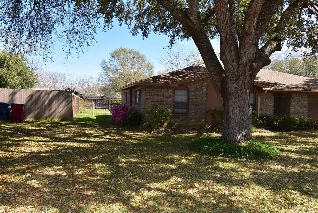 Active | 99 Nueces Street Bay City, TX 77414 17
