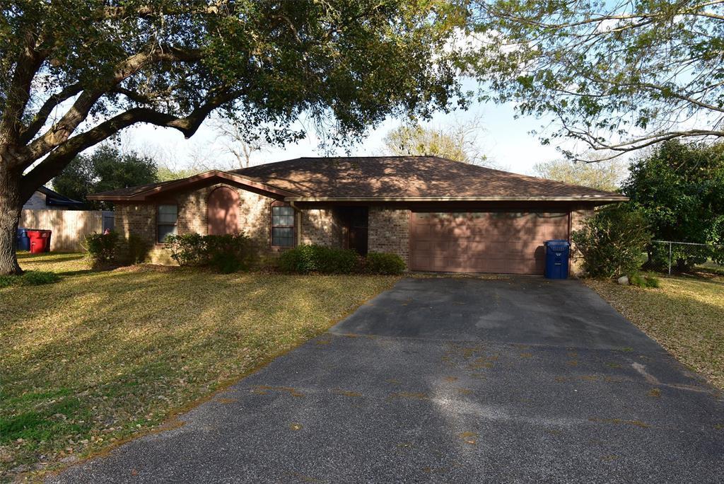 Active | 99 Nueces Street Bay City, TX 77414 25