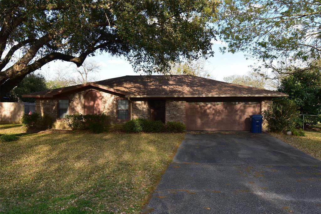 Active | 99 Nueces Street Bay City, TX 77414 26