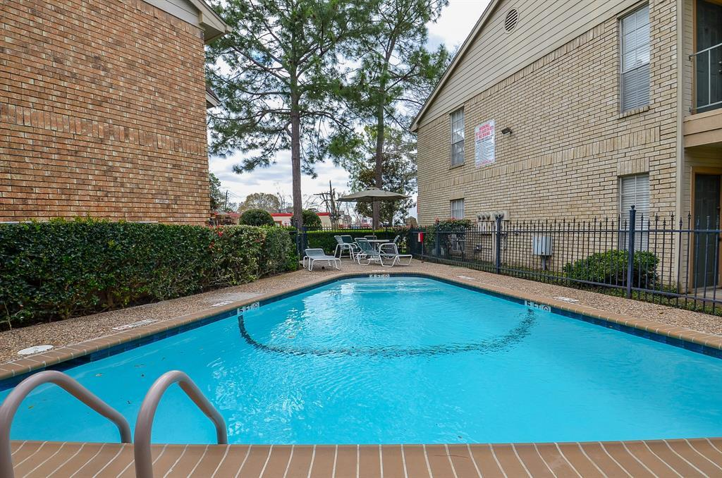 Active | 12550 Whittington Drive #6/615 Houston, TX 77077 27