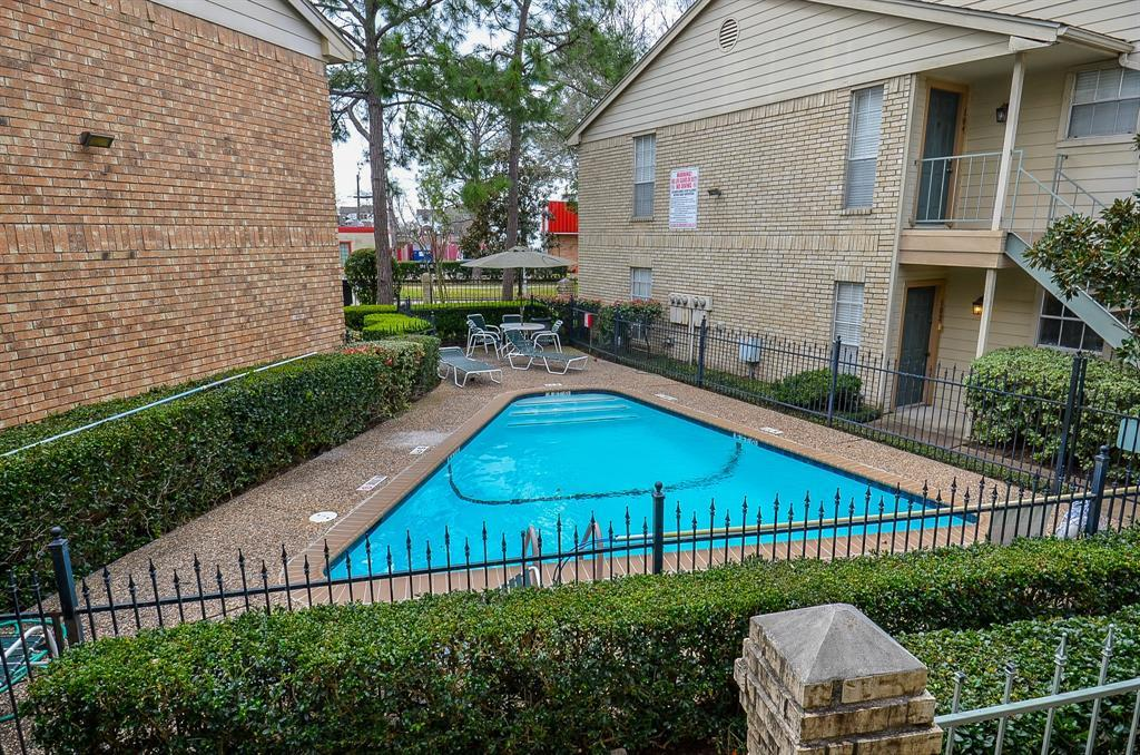Active | 12550 Whittington Drive #6/615 Houston, TX 77077 29