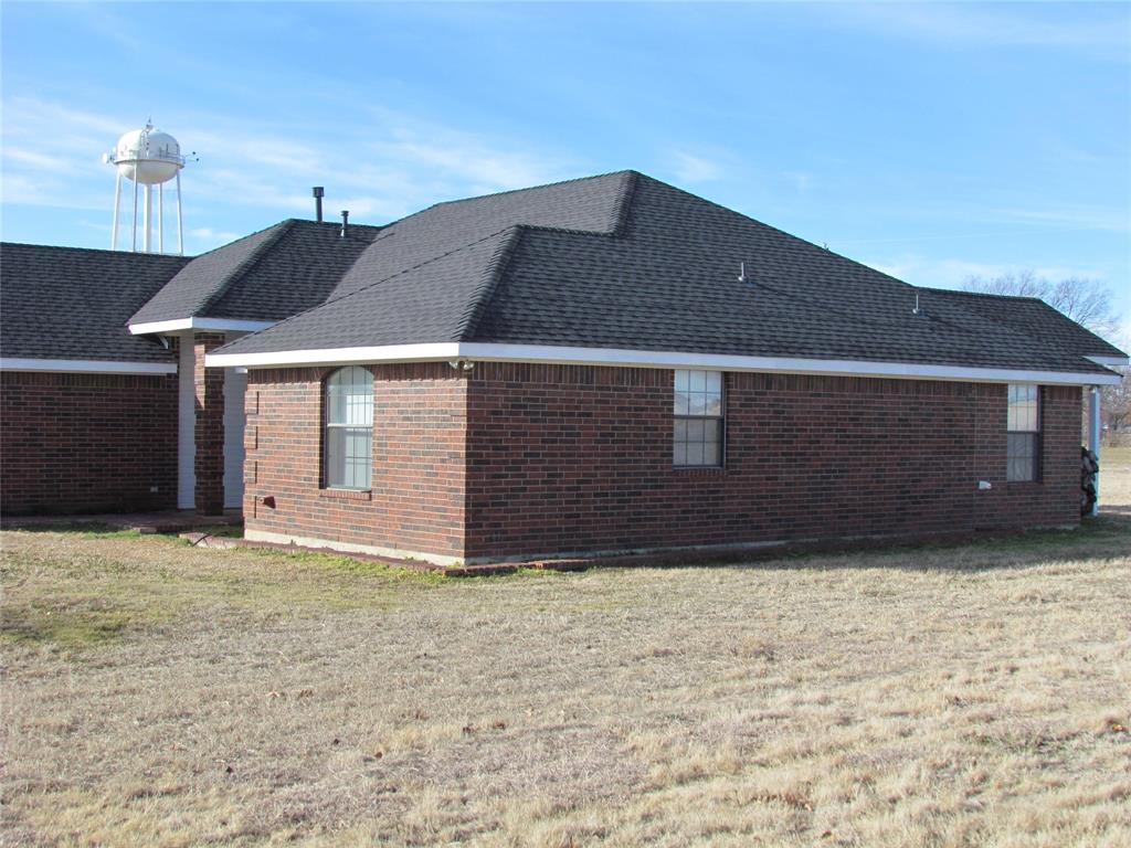 Sold Property | 704 Arapaho Street Tioga, Texas 76271 2
