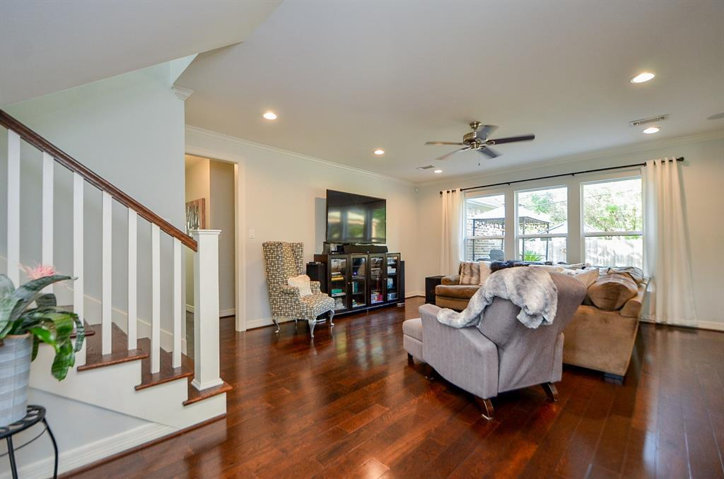 Pending Continue to Show | 5102 Poinciana  Drive Houston, TX 77092 8
